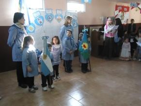25 de mayo en el jard n de infantes la dulce digital for Amiguitos del jardin
